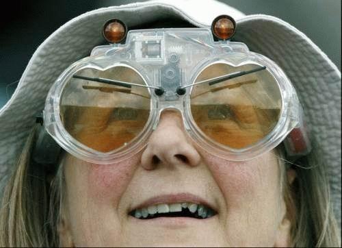 http://lolaction.free.fr/pics/large/lunettes.jpg