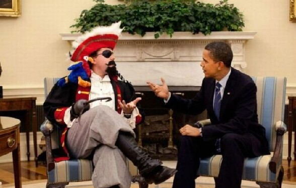 Barrack Obama traite avec le capitaine crochet lol - rencontre au sommet entre barrack obama et le capitaine crochet